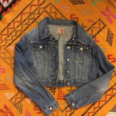Cropped Jean Jacket Pre-loves in excellent condition. Slightly distressed crop jean jacket. Size medium (modeled on size 4/6). 100% cotton Old Navy Jackets & Coats Jean Jackets
