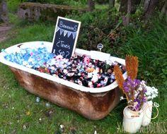 Una boda rustica! vintage, bañera con bebidas