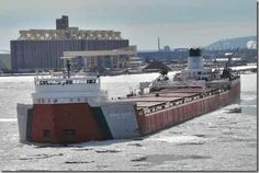 Roger Blough ship 858 feet entering Duluth MN harbor