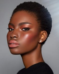 Flawless Makeup Ideas for Black Women Dark Skin Makeup, Dark Skin Beauty, Hair Makeup, Hair Beauty, Makeup Set, Black Girl Makeup, Girls Makeup, Makeup Prices, Braut Make-up