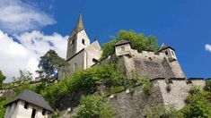 Klagenfurt, Bahn, Mansions, House Styles, Road Trip Destinations, Jokes, Pet Dogs, Tips, Pictures