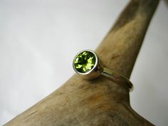 Peridot Solitaire / Stack ring - Sterling silver - Handmade Jewellery Designed by Metalmorphoz - Custom