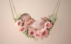 Don't miss to take photos of precious moments of your newborn baby girl. Here are Cute Newborn Photos for Baby Girl Ideas for you. Foto Newborn, Newborn Shoot, Baby Girl Newborn, Newborn Photo Shoots, Baby Baby, Cute Babies Newborn, Adorable Babies, Cute Baby Girl, Accessoires Photo