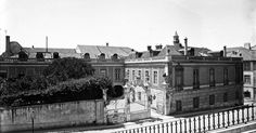 Há setenta anos [c. 1865] as festas do Palácio Penafiel davam brado em Lisboa, tal como as do Conde de Carvalhal dos Marqueses de Viana, ao Rato, do Conde de Farrobo, às Laranjeiras, ainda que sem o cunho artístico e literário de qualquer destas.