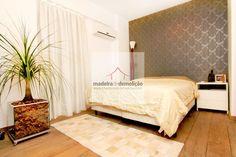 A madeira de demolição é resistente, uma ótima opção para pisos. Entre e veja mais opções: http://www.madeiradedemolicao.com/pisos-e-revestimentos.html