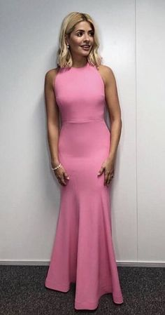 Holly Willoughby Dancing On Ice dress: Host stuns in pink floor-length sleeveless gown for week 2 of ITV series - OK! Holly Willoughby Legs, Holly Willoughby Outfits, Beautiful Dresses, Nice Dresses, Beautiful Women, Wedding Pants, Pink Gowns, Evening Outfits, Voluptuous Women