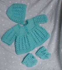 Linmary Knits: Alice Matinee jacket, dress, bonnet and booties. - Crochet and Knit Baby Cardigan Knitting Pattern Free, Baby Sweater Patterns, Baby Knitting Patterns, Baby Patterns, Scarf Patterns, Free Knitting, Knitting Dolls Clothes, Baby Doll Clothes, Crochet Doll Clothes