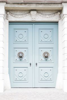 The Buda Castle Blue Door, Budapest - from travel blog: http://epepa.stfi.re