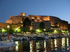Plenilunio: The enchanted island Corfu Airport, Corfu Holidays, Corfu Town, Corfu Island, Enchanted Island, Greek House, Greece Islands, Small Island, Cool Photos