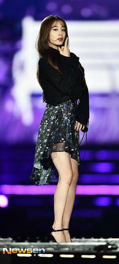 """♥ T-ara ♥ Jiyeon ♥ [161127] Red Carpet @ Super Seoul Dream Concert"""""""
