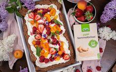Schoko Kuchen mit Topfen, Früchten & LAND-LEBEN Semmelbrösel Dessert, Cake Batter, Molten Chocolate, Chocolate Pies, Sheet Cakes, Life, Recipies, Deserts, Postres
