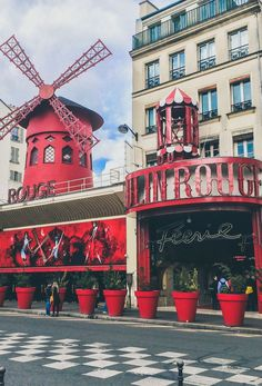 A spectacular #MoulinRouge, one of the romantic places to visit in #Paris, France.