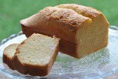 Cake léger au yaourt à 2 sp, un savoureux gâteau parfumé à la vanille facile et simple à réaliser pour un goûter gourmand.