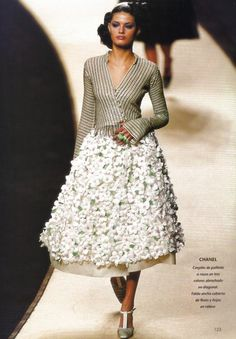 Chanel Haute Couture, spring 2000 (with a very young Isabeli Fontana)