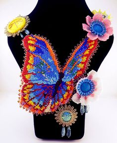 Unique embroidered jewelry by Evgenia Vasilieva. More - http://beadsmagic.com/?p=3984