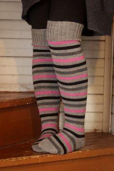 Ylipolven Oikukkaat - LANKAHELVETTI How To Purl Knit, Leg Warmers, Legs, Knitting, Fashion, Leg Warmers Outfit, Moda, Tricot, Fashion Styles
