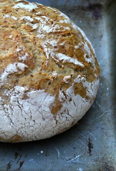 Mat på Bordet: no-knead bread med quinoa Norwegian Food, No Knead Bread, Chapati, Little Kitchen, Sauerkraut, Bagels, Bread Baking, Cheddar, Sour Cream