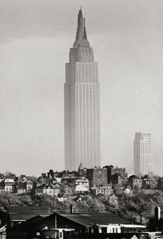 The Empire State Building as seen from New Jersey in 1941... photo by Andreas Feininger [530 × 780] : HistoryPorn