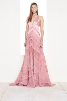 Die 51 besten Bilder von Kleider   Gowns, Fashion show und Formal dress 693fcc2b46