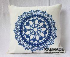 Nuevo! Azul blanco w throw pillow círculo crewel bordado almohada acento de lino de algodón decorativos