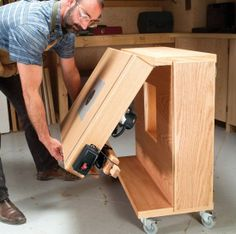 Mobile Router Center - The Woodworkers Shop - American Woodworker | craft-trade.info