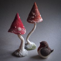 needle felted toadstools - needle felted robin - woodland textile art - felt art by The Lady Moth on Etsy #theladymoth https://www.facebook.com/theladymoth/