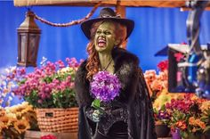 Zelena behind the scenes of Once Upon A Time