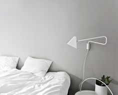 grey wall and white bedding. Bedroom Lamps, Gray Bedroom, Bedroom Decor, Bedroom Ideas, Master Bedroom, Grey Wall Color, Wall Colors, Ikea Wall Lamp, Gray Interior