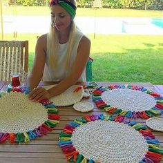 Table runner idea using rectangular placemats Crochet Quilt Pattern, Quilt Patterns, Crochet Patterns, Crochet Kitchen, Crochet Home, Knit Crochet, Free Crochet, Crochet Placemats, Crochet Doilies