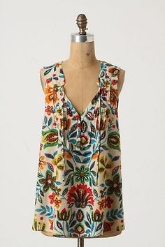 Love, love, love this top!  The colours are just so eye catching.