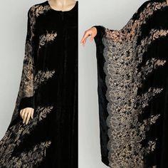 #elegant #rich #limitededition #limitedstock #vibrantlife #abayas #designer_collection #designer_clothing #hanoon #boutique