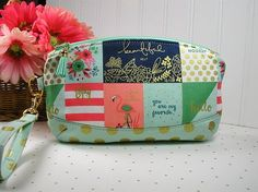Clematis Clutch Zipper Wristlet Zipper Clutch ..On Trend Notecards Coral and Mint Sparkle by Hot4Handbags