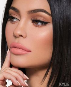 Makeup kylie jenner make up brows 51 ideas Makeup Trends, Makeup Inspo, Makeup Inspiration, Makeup Goals, Makeup Ideas, Makeup Tutorials, Makeup Tips, Cat Eye Makeup, Beauty Makeup
