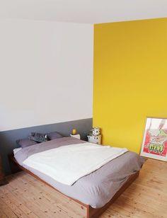 20 Ideas Bedroom Colors Paint Yellow Headboards For 2019 Room Ideas Bedroom, Home Bedroom, Modern Bedroom, Room Decor, Yellow Headboard, Half Painted Walls, Home And Living, Living Room, Yellow Walls