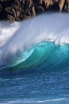 thelordismylightandmysalvation:  Blue View by Mike Newman on 500px   Surf's Up!