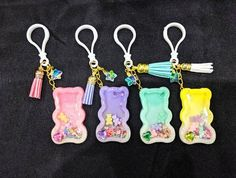 Charms Candy, Polymer Project, Diy Resin Projects, Bratz, Acrylic Keychains, Cute Clay, Cute Keychain, Resin Charms, Fimo Clay