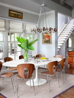 Oh, how I want a Saarinen tulip table with a white marble top. Santa, are you on Pinterest?  Transitional Dining Rooms from Kerry Howard : Designers' Portfolio 4937 : Home & Garden Television