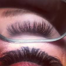 """Ready for the weekend in style with """" 💥 Luxurious Hand-Made Mink lashes. ✔ up to 25 wears with care ✔ comfortable cotton band Best Fake Eyelashes, Longer Eyelashes, Long Lashes, False Eyelashes, Applying False Lashes, Applying Eye Makeup, Makeup Mistakes, Evening Makeup, Eyelash Growth"""