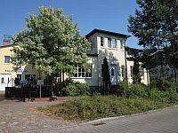 """Villa Strandkorb. Die """"Villa Strandkorb"""" ist eine Oase der Erholung, gelegen in der ruhigen Strandstraße von Graal-Müritz, die – wie der Name schon sagt – direkt zum Strand führt.  http://www.verwoehnwochenende.de/kurzreise_hotel___h560.html"""