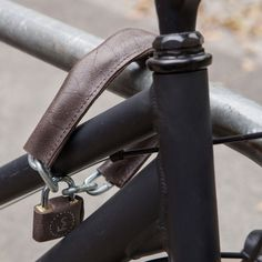 40cm Bike Lock in leather and metal designed in Poland by FS Bike #MONOQI