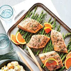 Dilly Salmon Packets with Asparagus - Quick and Easy Fish and Shellfish Recipes for Dinner Tonight - Cooking Light Healthy Menu, Healthy Eating, Healthy Recipes, Diabetic Recipes, Shellfish Recipes, Seafood Recipes, Seafood Dishes, Salmon Packets, Foil Packets