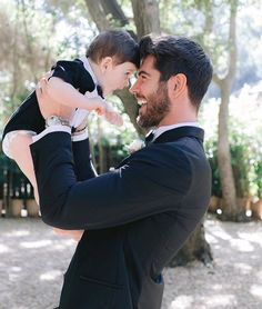 Happy Daddy and Son on wedding day. Nick Bateman, Daddy And Son, Father And Son, Dad Baby, Baby Love, Happy Daddy, Diamond Hair, Best Urdu Poetry Images, Bridesmaid Accessories