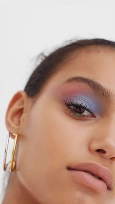 beauty art shared by 𝓟𝓮𝓽𝓻𝓪 ♡ on We Heart It Makeup Eye Looks, Eye Makeup Art, Cute Makeup, Skin Makeup, Eyeshadow Makeup, Sweet Makeup, 90s Makeup, Eyeliner, Makeup Goals