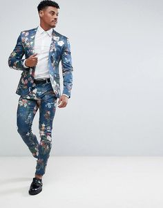 Find the best selection of ASOS Super Skinny Suit Jacket In Blue Floral Print. Shop today with free delivery and returns (Ts&Cs apply) with ASOS! Cheap Mens Fashion, Mens Boots Fashion, Mens Fashion Suits, Mens Suits, Floral Suit Men, Mode Costume, Skinny Suits, Asos Men, Androgynous Fashion