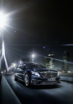 Modern luxury on the streets of Rotterdam. The S 65 AMG perfectly combines sportiness and extravagance.