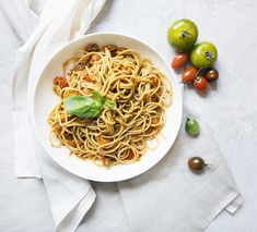 Spaghetti just the way I like it, whole wheat pasta, al dente, spicy, vegetarian, freshly made! Recipe in my blog.