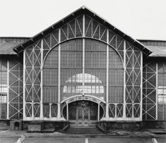 Bernd und Hilla Becher  Zeche Zollern II, Dortmund, D, 1971  aus Fabrikhallen, 1963-1995  Silbergelatineabzug  33,1 x 38,3 cm