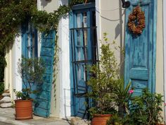 Blue doors in Koroni