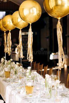 30th Birthday Balloons, Niece Birthday, 35th Birthday, Birthday Celebration, Restaurants For Birthdays, Outside Birthday Parties, Birthday Table Decorations, Serving Table