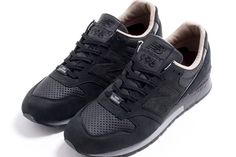 ... de sport homme - Multicolore (Gm Royal/Blk/Brght Ctrn/White), 43 EU - Chaussures  nike (*Partner-Link). from amazon.fr · Tomorrowland x New Balance ...